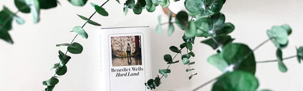 Buchcover umrahmt von Eucalyptusblättern